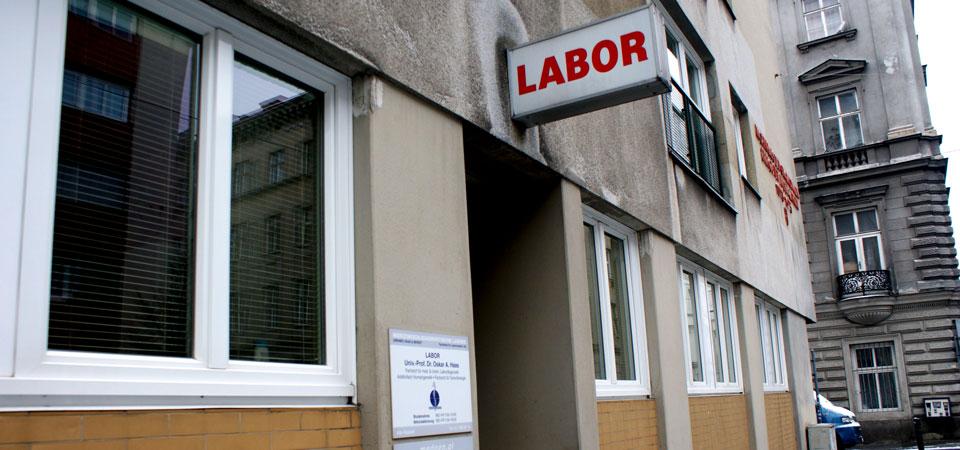 labor-eingang2
